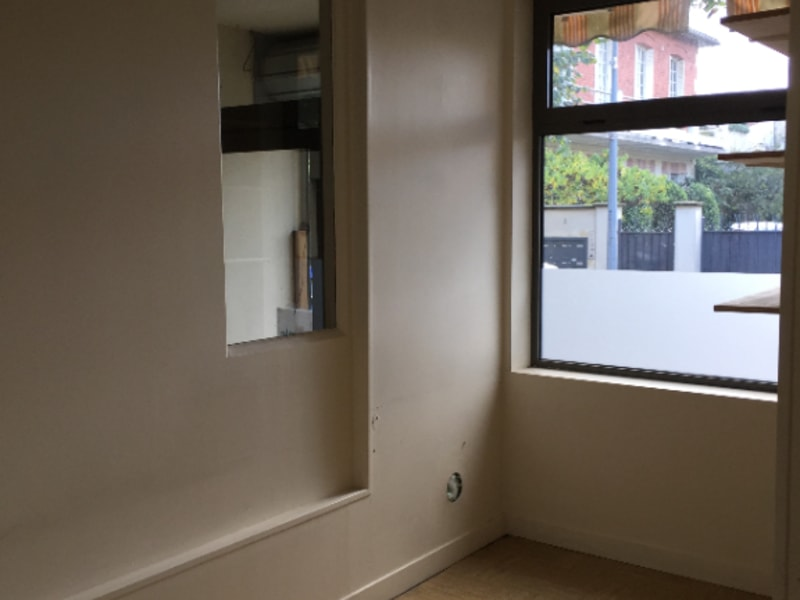 Location local commercial Joinville le pont 1400€ HC - Photo 2