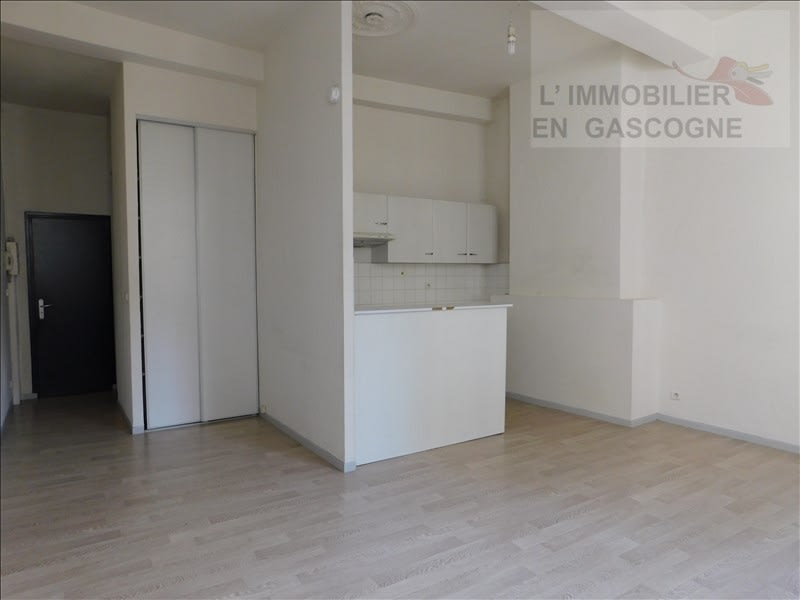 Auch - 1 pièce(s) - 37.73 m2
