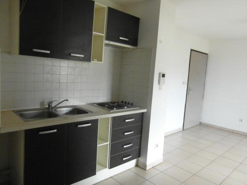 Sale apartment St denis 109080€ - Picture 2