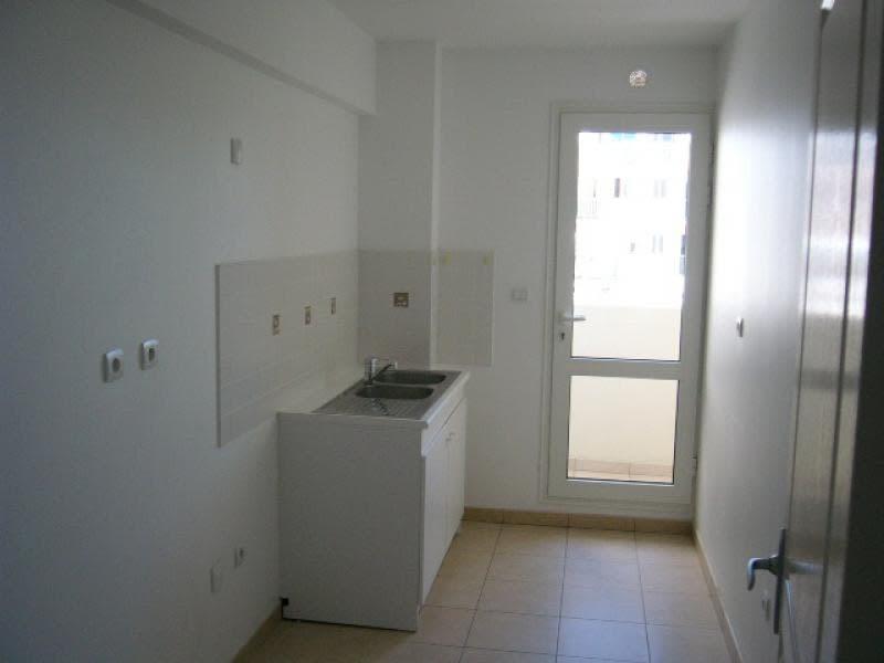 Location appartement St denis 1123€ CC - Photo 2