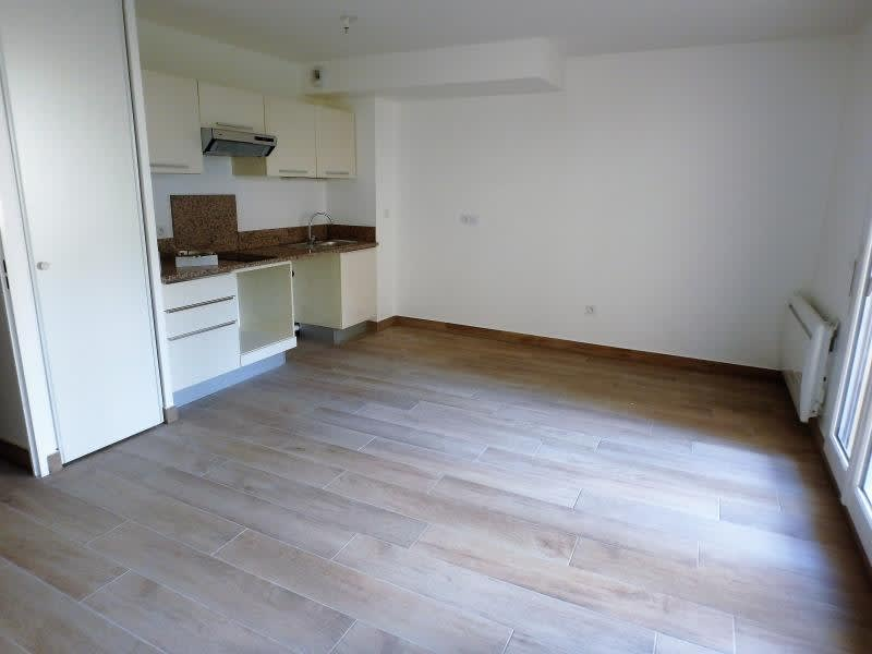 Rental apartment Buc 868€ CC - Picture 1