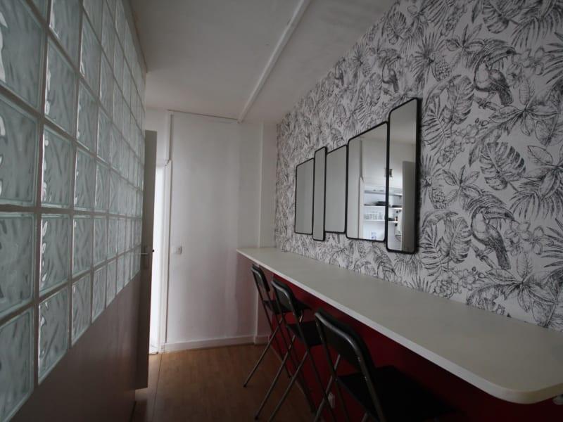 Rental office Paris 3ème 7000€ CC - Picture 9