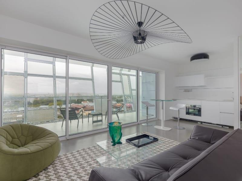 Appartement meublé avec terrasse dans la tour Ycône