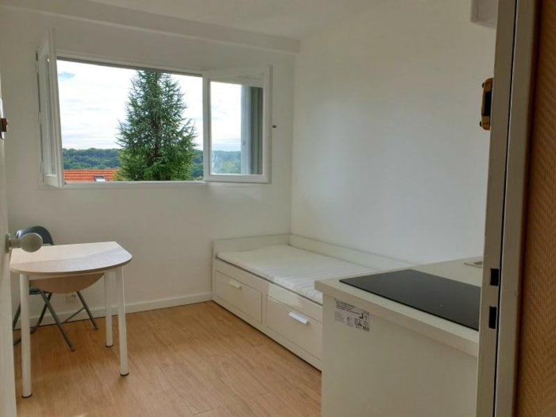 Location appartement Plessis robinson 415€ CC - Photo 1