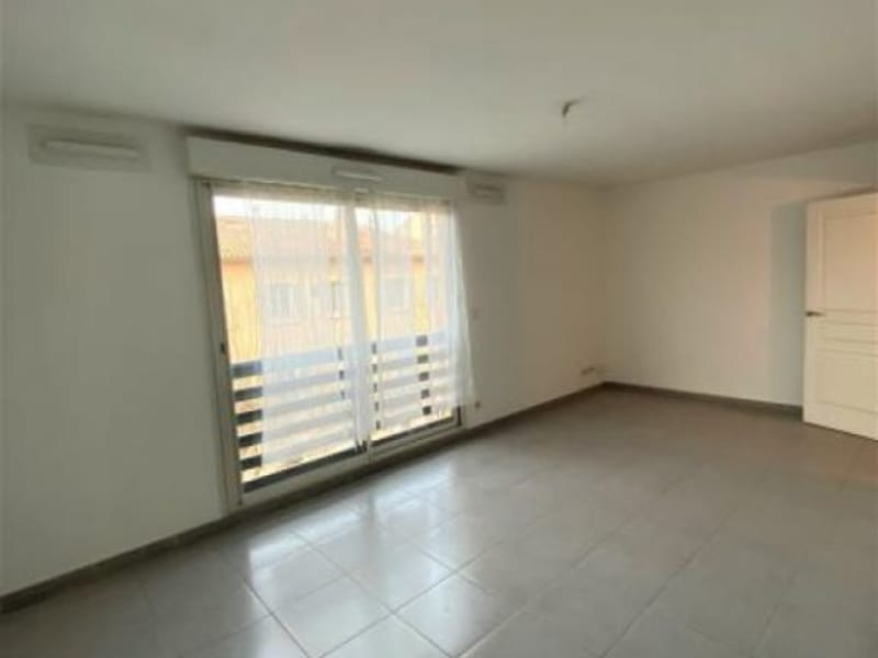 Rental apartment Aix en pce 650€ CC - Picture 1