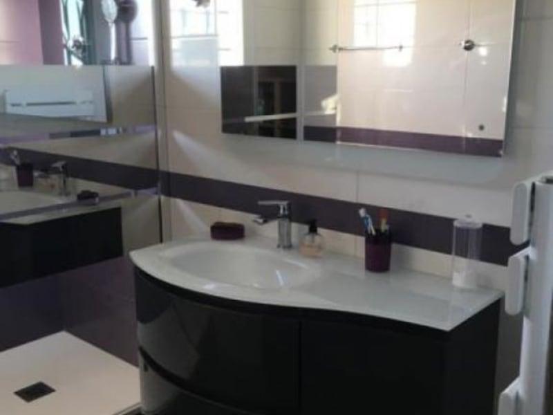 Sale house / villa Aubie et espessas 318000€ - Picture 5