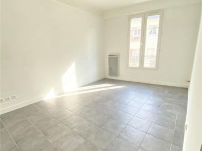 Location appartement Puteaux 918,61€ CC - Photo 1