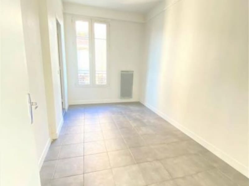 Location appartement Puteaux 918,61€ CC - Photo 3