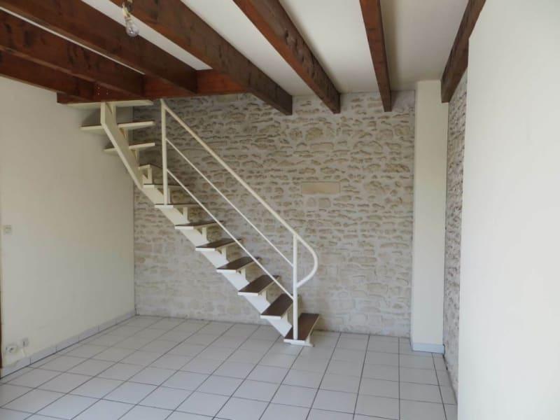 Location appartement Cognac 321€ CC - Photo 1