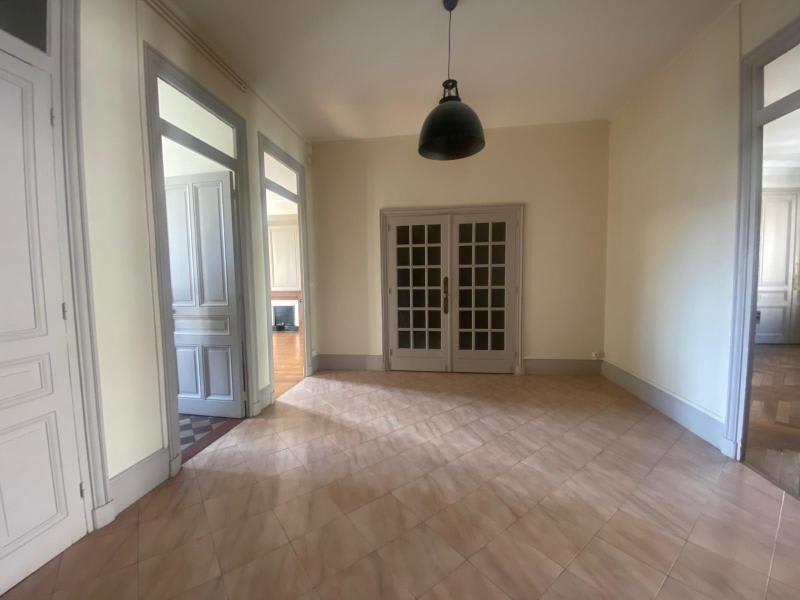 Location appartement Villefranche sur saone 832€ CC - Photo 6