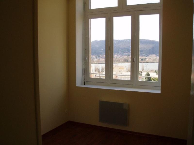 Rental apartment St vallier 415€ CC - Picture 3