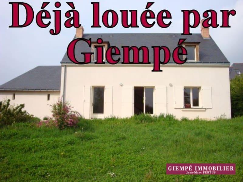 Location maison / villa Chaumont-d'anjou 770€ CC - Photo 1