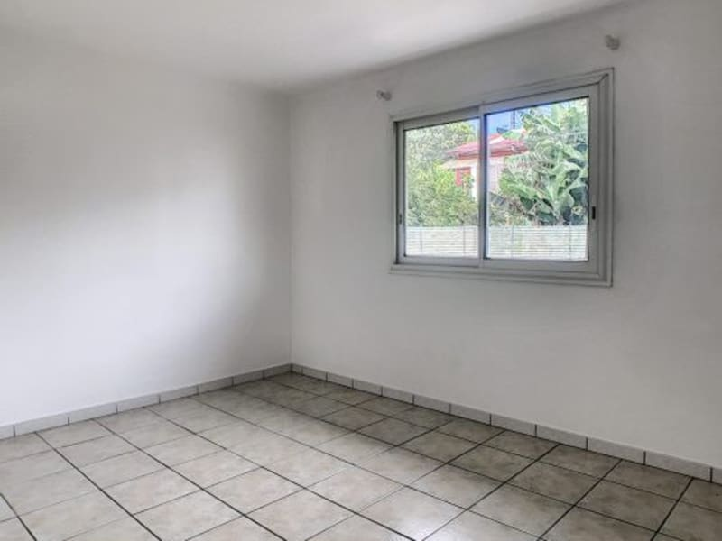 Revenda apartamento Le tampon 152500€ - Fotografia 5