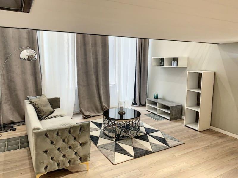 Sale apartment Lyon 7ème 378000€ - Picture 1