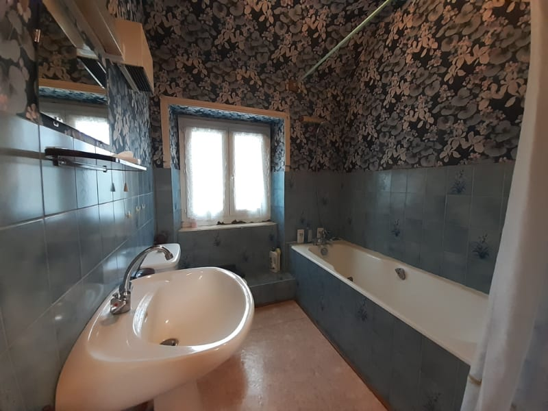Sale house / villa Motreff 101650€ - Picture 11