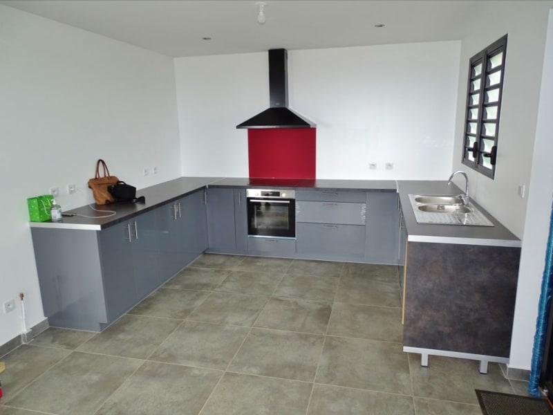 Rental house / villa Sainte clotilde 1204€ CC - Picture 3