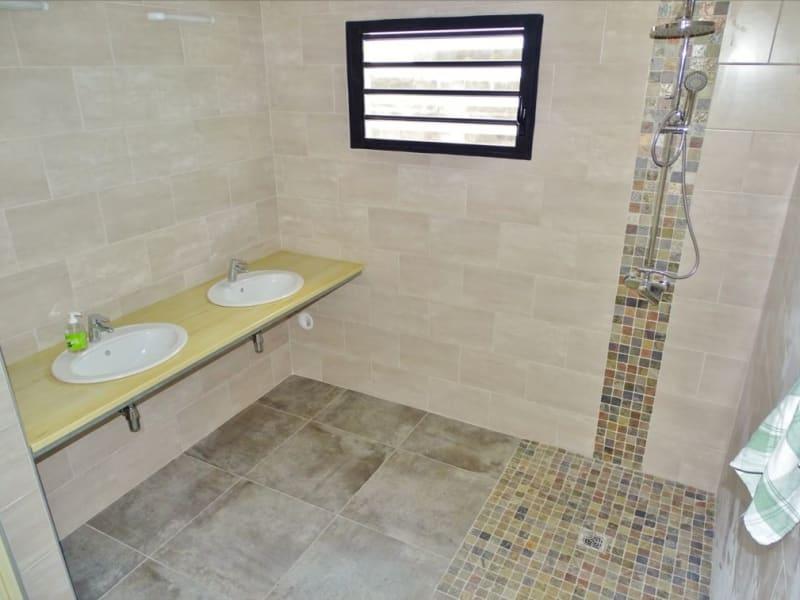 Rental house / villa Sainte clotilde 1204€ CC - Picture 6