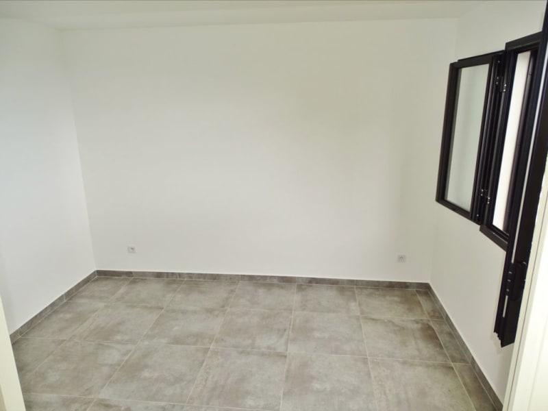 Rental house / villa Sainte clotilde 1204€ CC - Picture 8