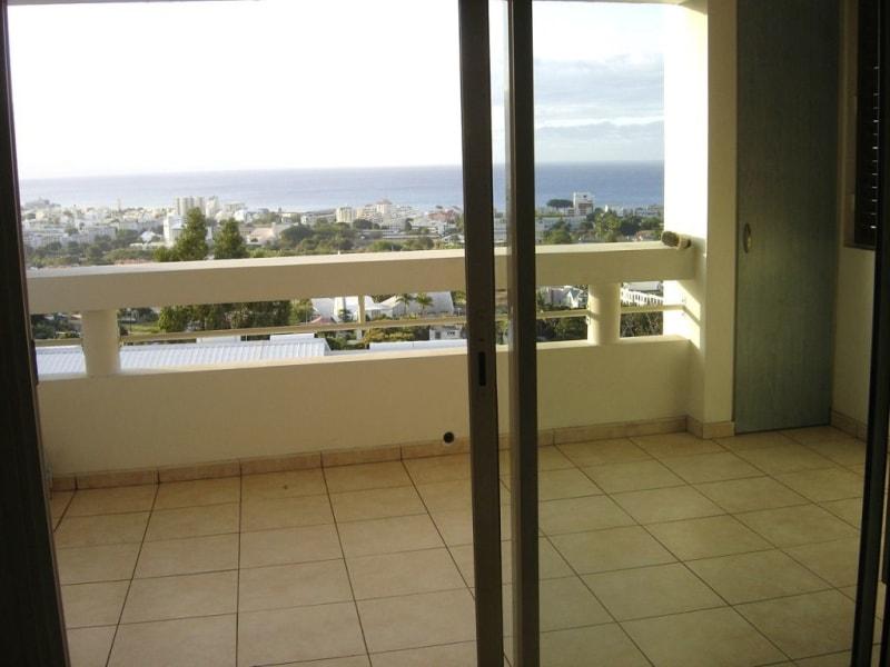 Rental apartment Saint denis 622€ CC - Picture 2