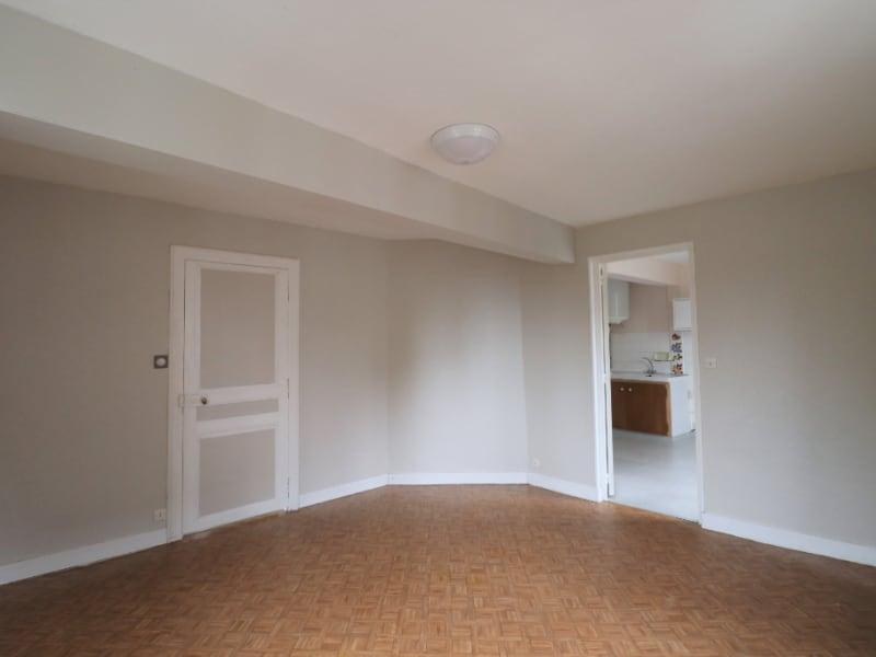 Location appartement Courville sur eure 360€ CC - Photo 1