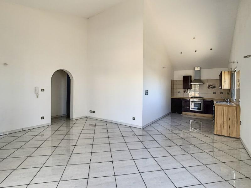 Rental house / villa Saint louis 1150€ CC - Picture 5