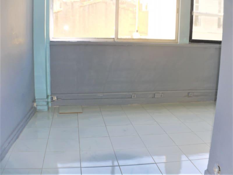 Rental office Marseille 6ème 225€ HC - Picture 2