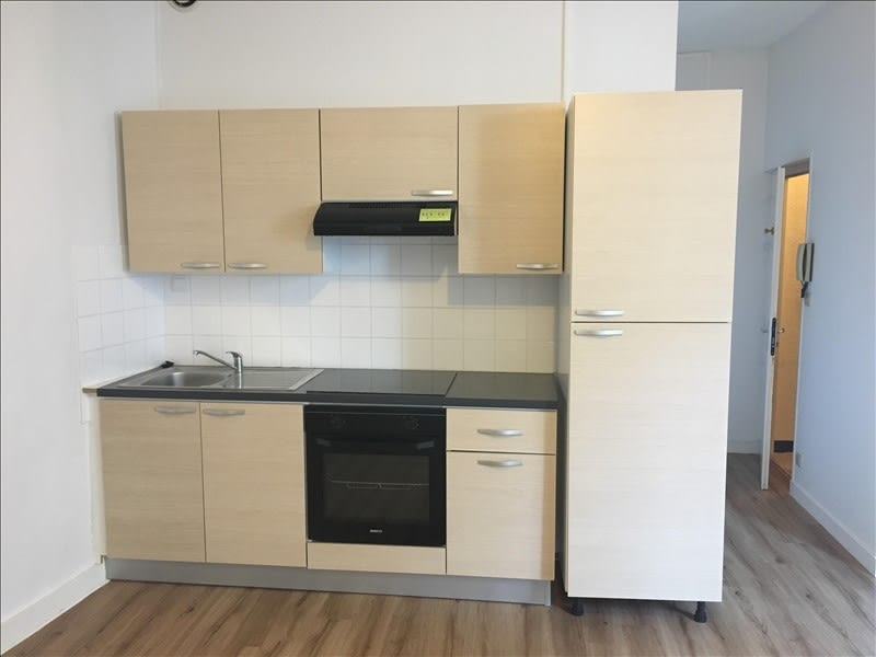Location appartement Poitiers 327€ CC - Photo 1