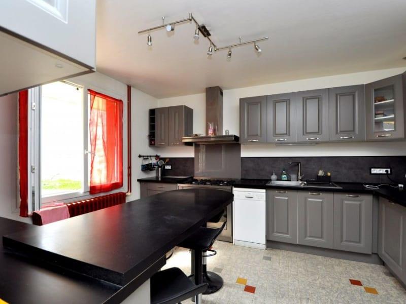 Sale house / villa St cyr sous dourdan 299000€ - Picture 7