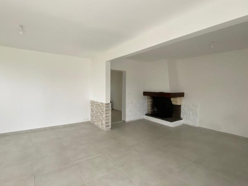 Location maison / villa St christophe des bardes 1 090€ CC - Photo 2