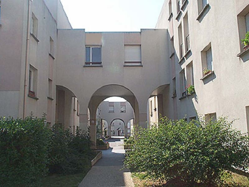 Rental apartment Viry chatillon 890€ CC - Picture 1