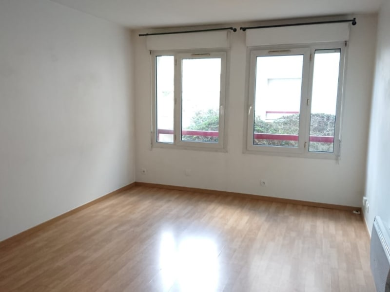 Rental apartment Viry chatillon 890€ CC - Picture 2