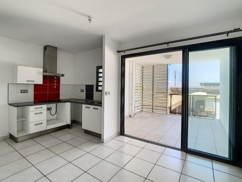 Rental apartment Saint pierre 890€ CC - Picture 1