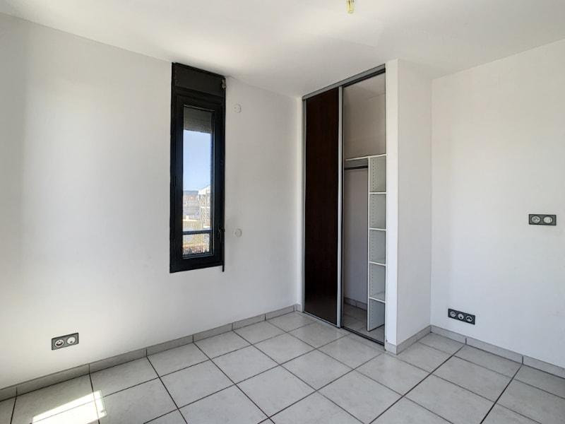 Rental apartment Saint pierre 890€ CC - Picture 6