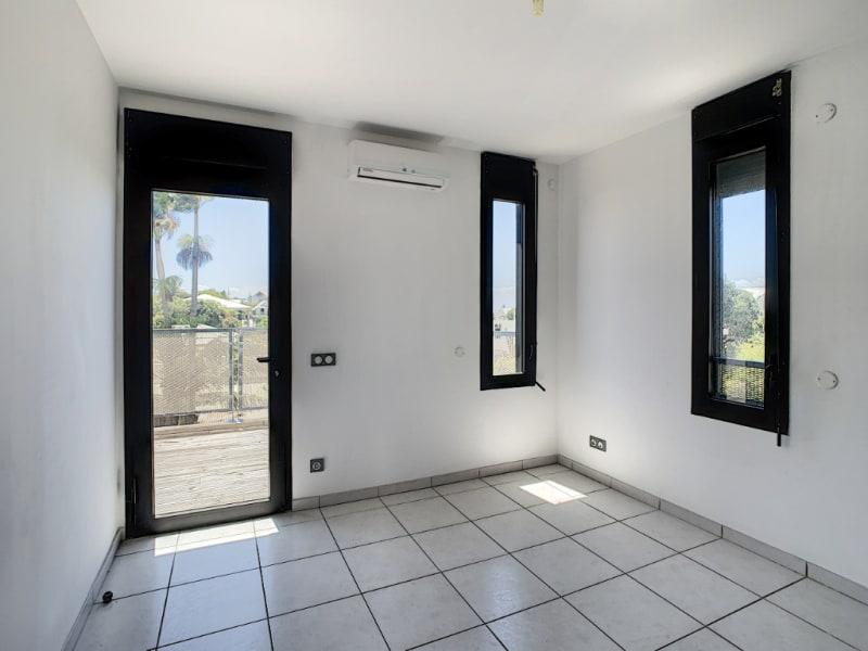 Rental apartment Saint pierre 890€ CC - Picture 7