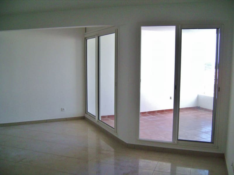 Rental apartment Saint denis 705€ CC - Picture 4