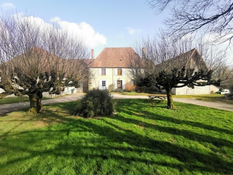 Sale house / villa Nexon 212000€ - Picture 1