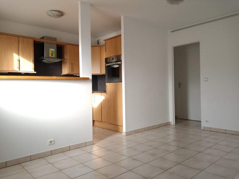 Alquiler  apartamento La ville-du-bois 695€ CC - Fotografía 4