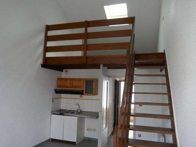 Rental apartment Montreal la cluse 380€ CC - Picture 1
