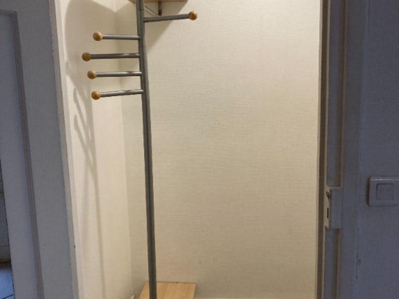 Location appartement Paris 15ème 790€ CC - Photo 2