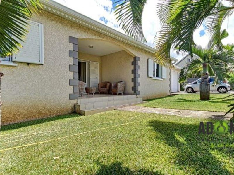 Sale house / villa Saint-louis 298000€ - Picture 1