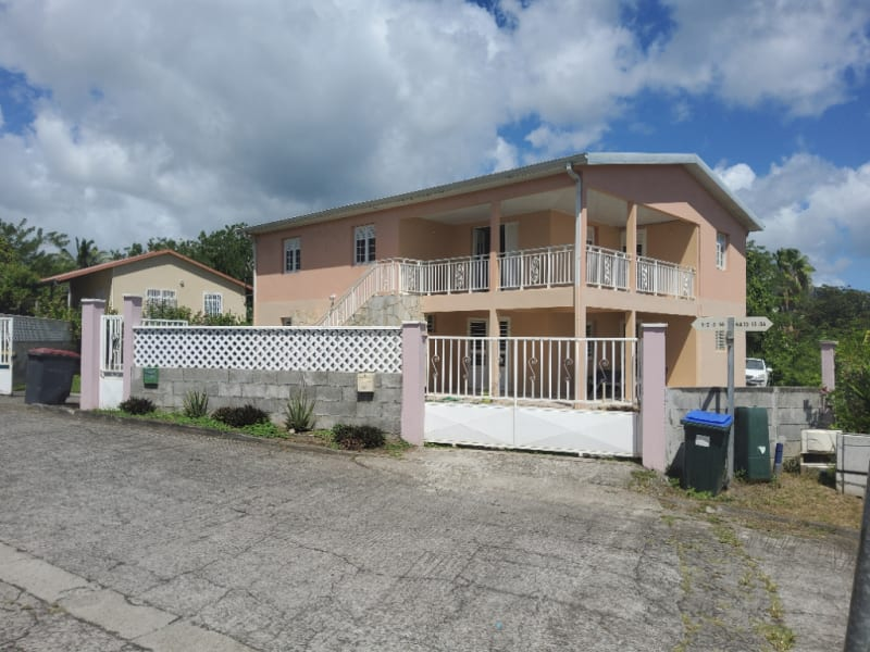 Villa  avec  2 appartements T4 ( R+1)