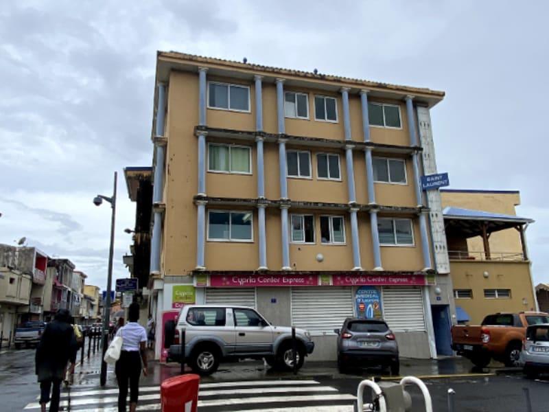 Location local commercial Le lamentin 1541,60€ CC - Photo 2