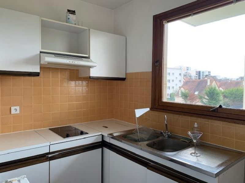 Location appartement Rueil malmaison 835€ CC - Photo 3