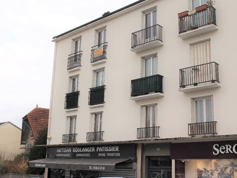 Rental apartment Juvisy sur orge 889€ CC - Picture 1