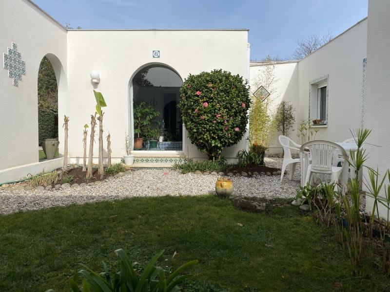 Sale house / villa Ares 530000€ - Picture 1