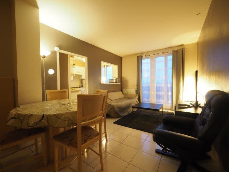 Rental apartment Bois d arcy 860€ CC - Picture 1