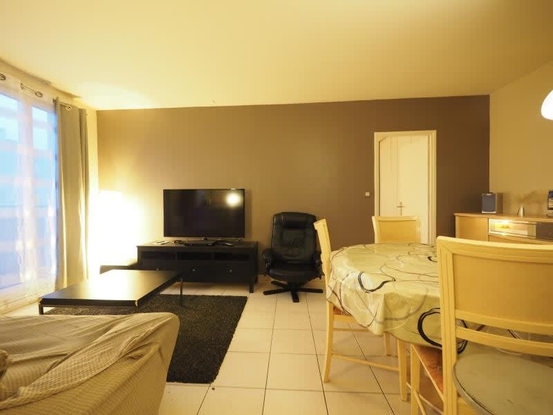 Rental apartment Bois d arcy 860€ CC - Picture 6