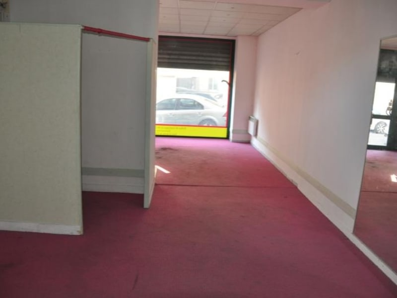 Location local commercial Soissons 850€ HC - Photo 3