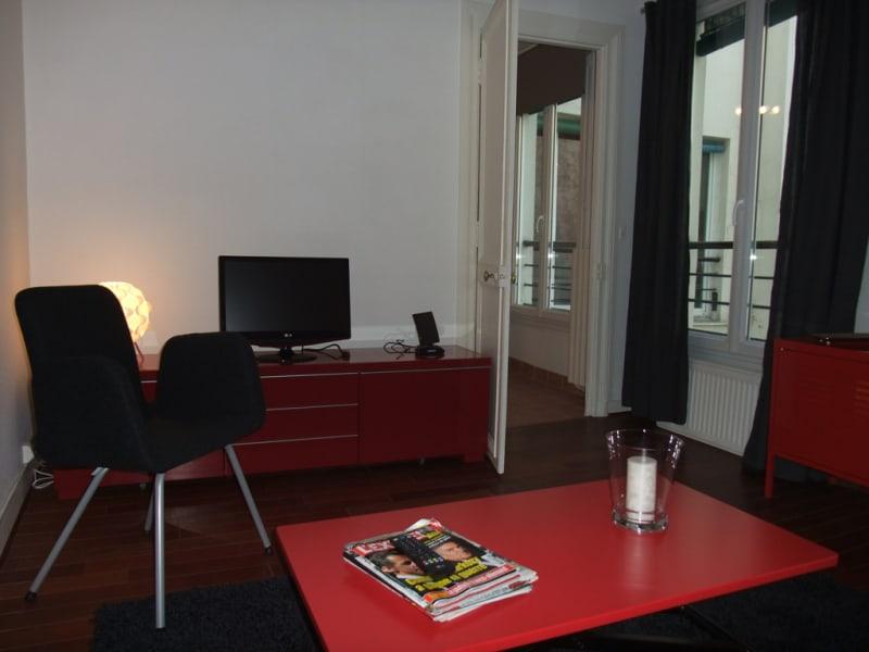 Rental apartment Paris 8ème 1600€ CC - Picture 3