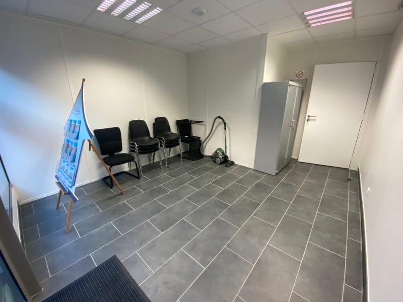 Sale empty room/storage Lesigny 154500€ - Picture 2